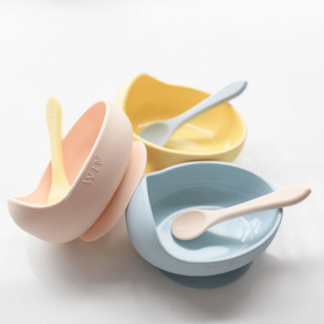 Silicone suction bowl for starting solids
